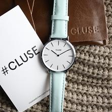 Zegarek Cluse na skórzanym pasku w pięknym miętowym kolorze to idealny model dla wszystkich miłośniczek pastelowych kolorów! Szukasz zegarka, który odzwierciedli Twój charakter ...