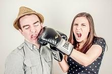 Gdy kobieta bije, jest śmie...