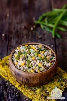 Ryż z mięsem mielonym, kukurydzą i fasolką szparagową