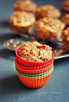 Dietetyczne muffiny z warzywami i czosnkiem