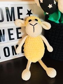 Owieczka przytulanka żółta