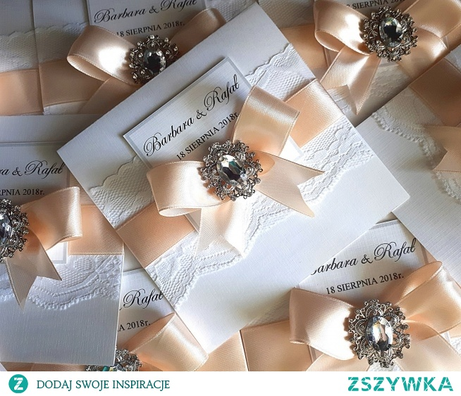 zaproszenie ślubne z broszką do kupienia Pracownia Jaśminowa na facebooku