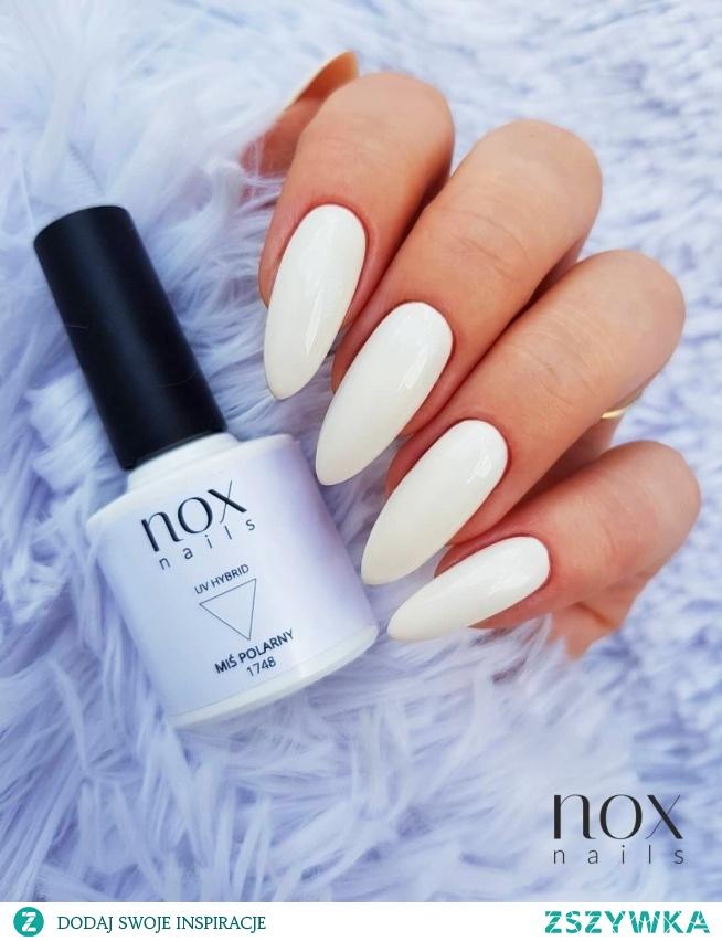 Białe paznokcie jako uniwersalna propozycja na każdy dzień!