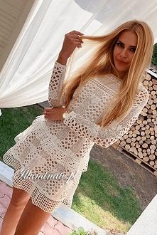 Biała, koronkowa sukienka z...