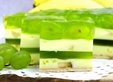 Ciasto ,,Bananowa randka'' - bez pieczenia! SKŁADNIKI: 15 - 20 sztuk herbatników typu petitki MASA BANANOWA I: 500 gramów gęstego jogurtu bananowego 2 średnie banany, ...