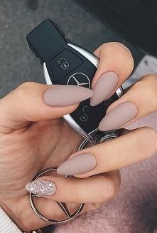 Jaki kształt paznokci powinnaś mieć?