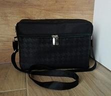czarna torebka typu box bag...