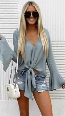 Bluzka Olivia z noshame.pl (klik w zdjęcie, by przejść do sklepu)