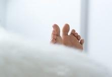 Zespołu niespokojnych nóg – domowe sposoby na ich eliminowanie.