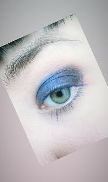 Niebieski cień, niebieski tusz, niebiesko mi dziś jest