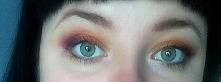 Mój makijaż inspirowany jesienią. Ciepłe żółte odcienie z czerwienią w zewnęt...