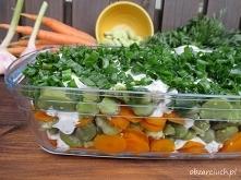 Sałatka z sosem czosnkowo - kminkowym        około 1 kg bobu     6 średnich m...