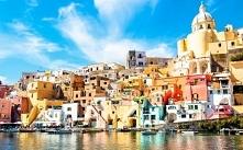 Neapol położony w południowychWłoszech, w centrumZatoki Neapolitańskiej :) ...