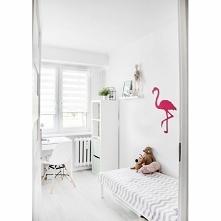 Wieszak na ścianę Flaming firmy FLOXXY to precyzyjnie wykonany wieszak z metalu pomalowany na różowy kolor. Wieszak dekoracyjny ptak Flaming posiada 4 wygodne haczyki odporne na...
