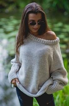 Sue Lili sweter beżowy Modny sweterek o swobodnym fasonie, luźniejszy krój św...