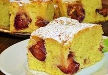 Ciasto ucierane ze śliwkami   Ciasto      jajka     5 szt      mąka pszenna     3 szklanki      cukier     1 szklanka      cukier waniliowy     1 opakowania      skórka z cytryn...