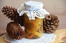 Grzyby w zalewie słodko-kwaśnej  1 kg. grzybów leśnych  Zalewa: 2 szklanki wo...