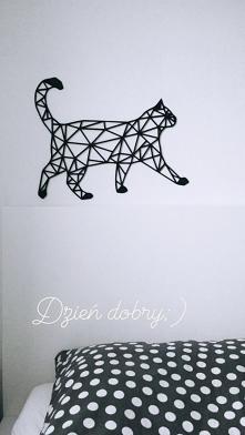 Dekoracja na ścianę, inspiracja sypialnia. Geometryczny kot drewniany czarny ...