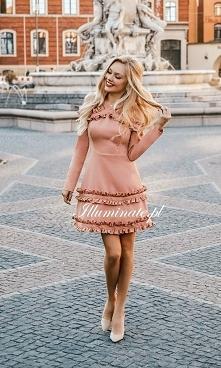 Śliczna, dziewczęca sukienk...