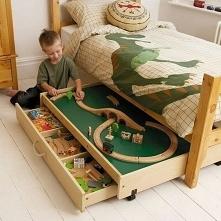 chowanie zabawek :)