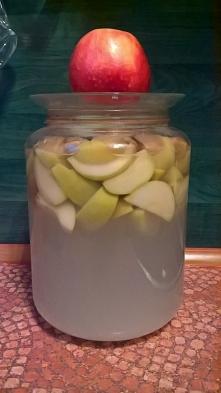 Jeśli cierpisz z powodu nadkwaśności to spróbuj octu jabłkowego. Najlepiej domowej roboty. Trzy łyżki octu i pół szklanki wody. Wypij i poczuj jak działa. Mój ocet jest właśnie ...