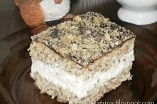 delikatne i lekkie ciasto orzechowe z bitą śmietaną