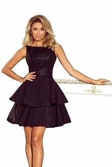 Czarna Piękna Podwójnie Rozkloszowana Sukienka z Haftowaną Koronką