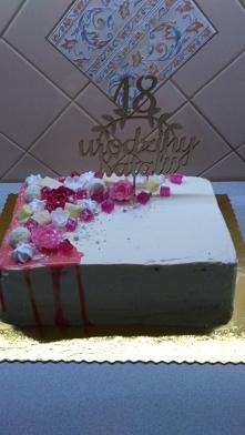 tort 18 urodziny