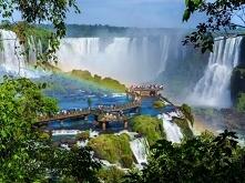 Wodospad Iguazú, wodospad leżący na granicy argentyńsko-brazylijskiej na rzec...