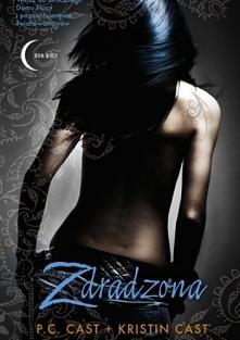 TOM 2    Zoey Redbird, adeptka w szkole wampirów, czuje, że wreszcie odnalazł...
