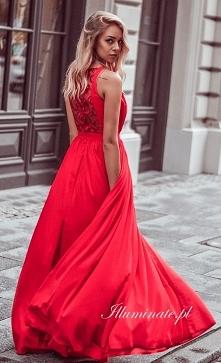 Cudowna, długa czerwona suk...