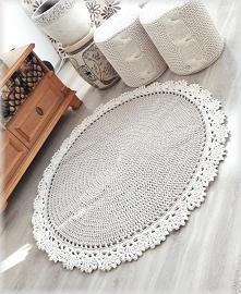 Dywan wykonany z dobrej jakości sznurka 100% bawełnianego, polskiego producenta. Grubość sznurka 5 mm.  Dywan może być ozdobą salonu, korytarza czy sypialni.  Można prać w temp....