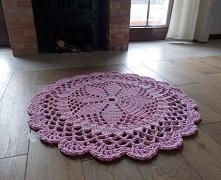 Dywan w kolorze różowym wyk...