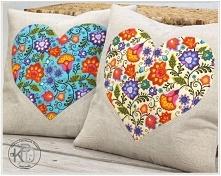 Cena dotyczy 1 kompletu - 2 poszewki, 1x z tłem kremowym i 1x z tłem turkusowym  Wyjątkowe lniane poszewki z bawełnianą aplikacją serca.  Misternie wypikowane - uwypuklowe kwiat...