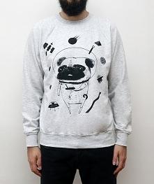 Szara bluza z Mopsem w Kosmosie