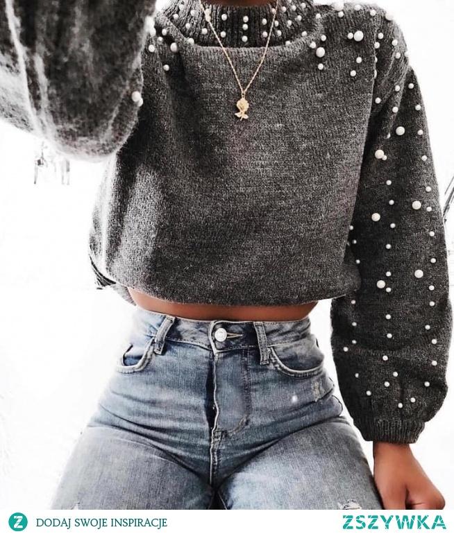 Stylizacja ze swetrem z perełkami