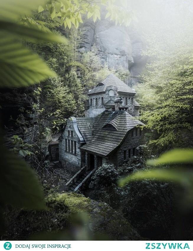 Forest house in Hřensko, Czech Republic
