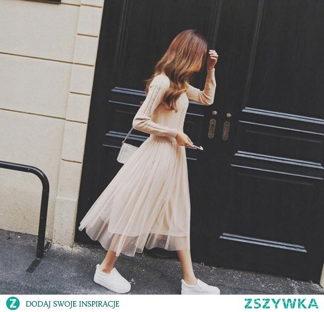 Połączenie tiulu i swetra? Czemu nie! Sukienka 2w1 ;) Kliknij w zdjęcie i zobacz gdzie ją kupić!