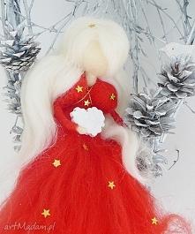 Gwiazdkowa wróżka z kolekcji Weihnachten. Świateczny wianek. Dekoracja