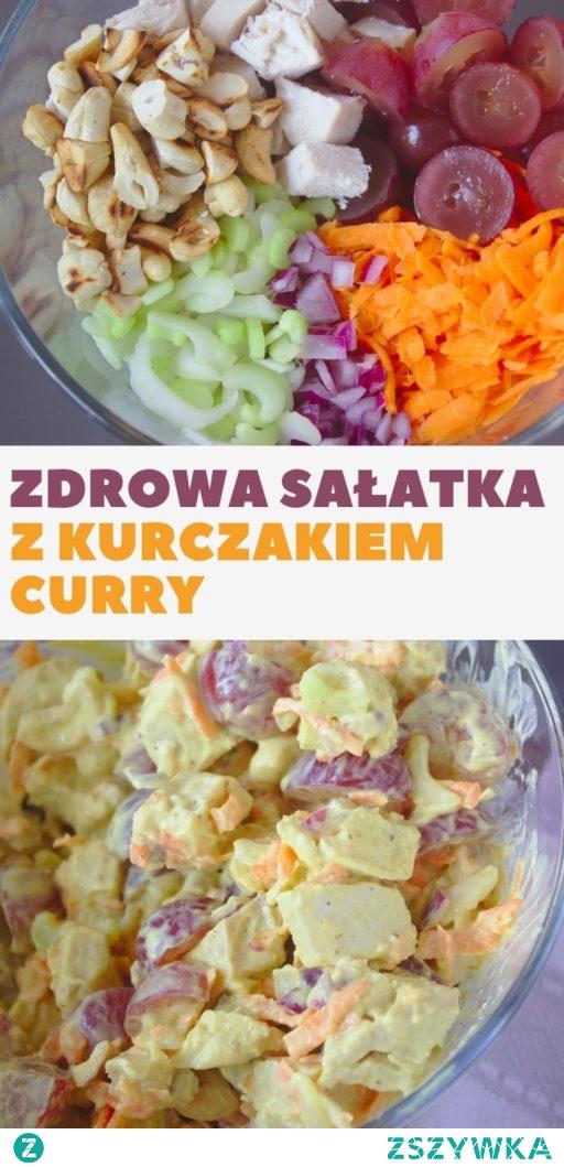 Zdrowa sałatka curry z kurczakiem i winogronem.