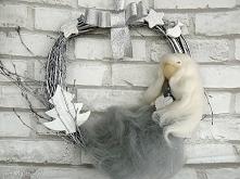 Wianek -dekoracja świąteczna. Zimowa wróżka z białym sercem. Kolekcja Weihnac...
