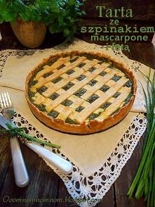 Zielona pełnoziarnista tarta ze szpinakiem, czosnkiem, mascarpone i fetą