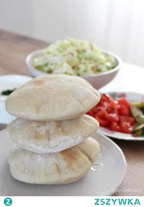 Bardzo łatwe - domowe chlebki pita! :)