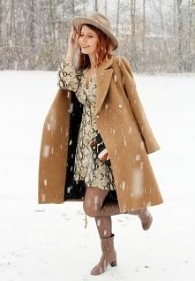 Wężowa sukienka od SecretGar z 25 listopada - najlepsze stylizacje i ciuszki