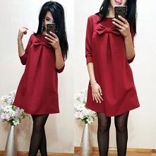 Świąteczna czerwona sukienka, świetny krój w literę A. Kliknij w zdjęcie i zobacz gdzie kupić!