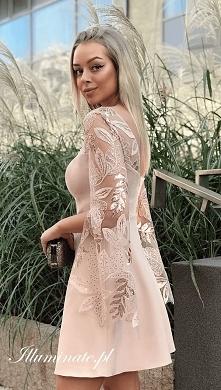 Piękna beżowa, trapezowa sukienka ze sklepu Illuminate <3