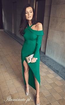 Długa sukienka w kolorze bu...