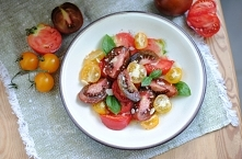 Sałatka z kolorowych pomido...