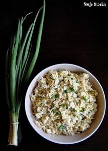 Sałatka z makreli wędzonej  1 makrela wędzona 4 jajka 10-15 dag żółtego sera ...