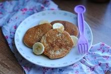 Placuszki z kaszy manny z bananem Składniki /10-12 placuszków/: 1/2 szkl. błyskawicznej kaszy manny 1/2 szkl. mleka 1 jajko 1 dojrzały banan 1/2 łyżeczki sody oczyszczonej tłusz...